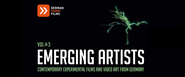 Plakat Emerging Artists: Ein schwarzer Hintergrund. Ein grünes Objekt befindet sich auf der rechten Bildhälfte. Es ähnelt einer wachsenden Pflanze.